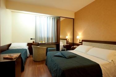 Hotel Montreal: Dreibettzimmer RAGUSA