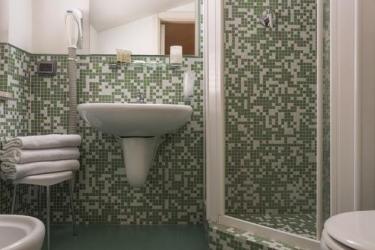 Hotel Montreal: Bathroom RAGUSA