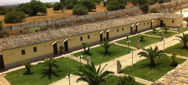 Agriturismo La Maddalena: Exterior RAGUSA