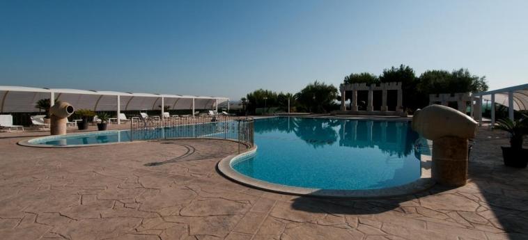 Agriturismo La Maddalena: Outdoor Swimmingpool RAGUSA