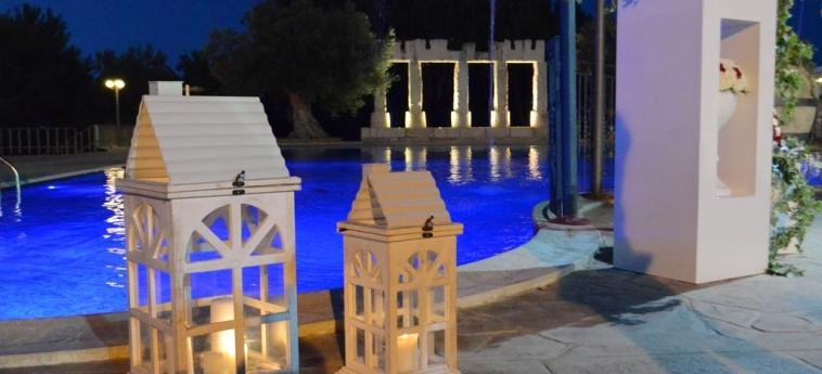 Agriturismo La Maddalena: Swimming Pool RAGUSA