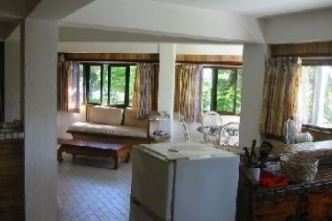 Raina Beach Apartments: Living Room RAROTONGA