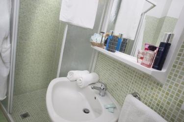 Family Hotel Marina Beach: Bathroom RAVENNA