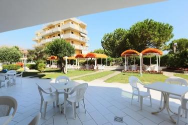 Family Hotel Marina Beach: Garden RAVENNA
