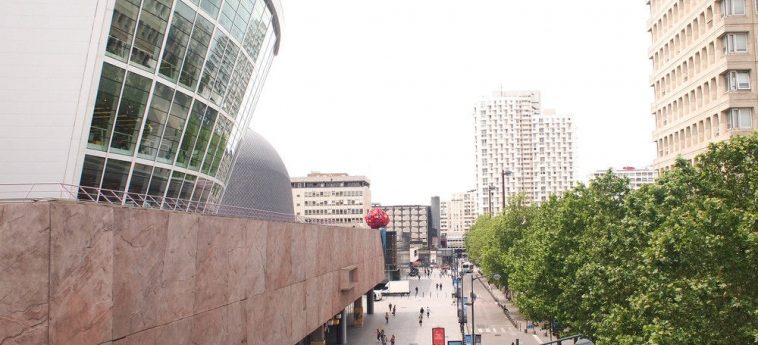 Hotel Novotel Rennes Centre Gare: Exterior RENNES