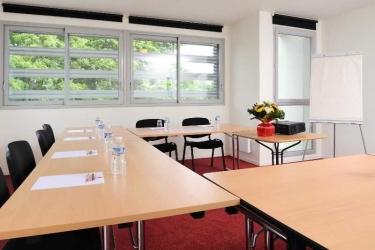 Hotel Sejours & Affaires Rennes Villa Camilla: Sala de conferencias RENNES