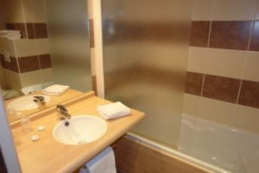 Brit Hotel Du Stade: Bathroom RENNES