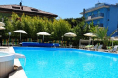 Hotel Tre Rose: Piscina RICCIONE - RIMINI