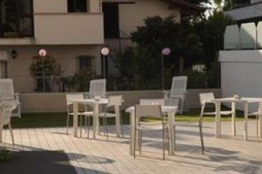 Hotel Residence Alba: Particolare della Villa RICCIONE - RIMINI
