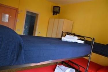 The Hostel Riccione: Campo de Baloncesto RICCIONE - RIMINI