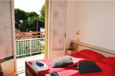 The Hostel Riccione: Weinkeller RICCIONE - RIMINI