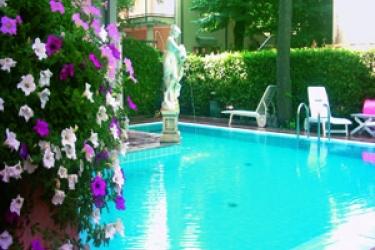 Hotel Villa Lidia: Swimming Pool RICCIONE - RIMINI