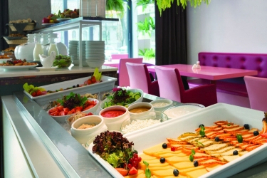 Days Hotel Riga Vef: Zona colazione RIGA