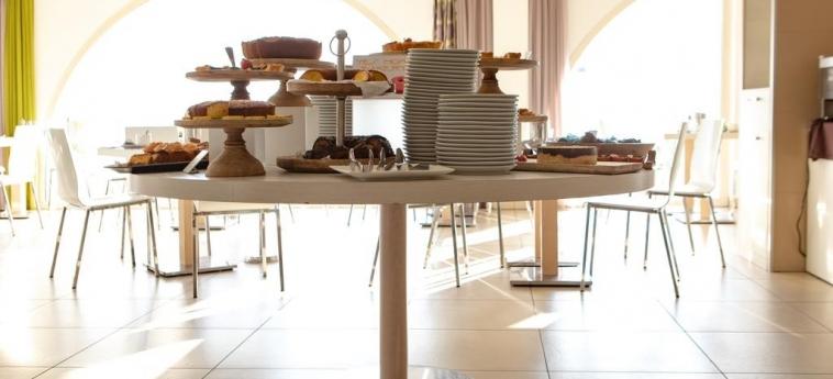 Yes Hotel Touring: Colazione RIMINI