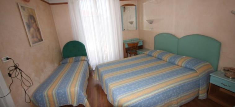 Hotel Britannia: Doppelzimmer  RIMINI