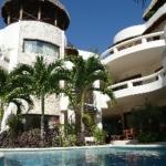 Hotel Blue Parrot Suites