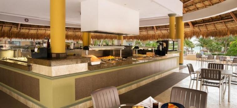 Hotel Viva Wyndham Azteca: Buffet RIVIERA MAYA