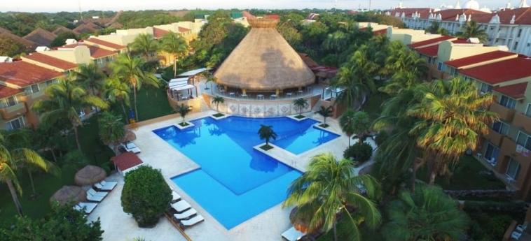 Hotel Viva Wyndham Azteca: Swimming Pool RIVIERA MAYA