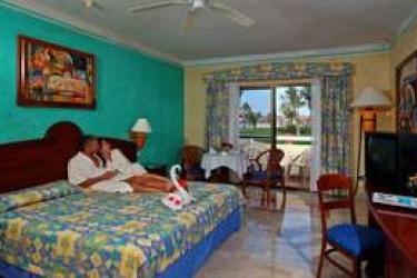 Hotel Bahia Principe Grand Tulum: Schlafzimmer RIVIERA MAYA