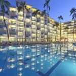 Hotel Crown Paradise