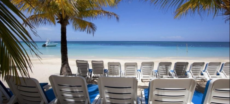 Henry Morgan Hotel & Beach Resort: Playa ROATAN