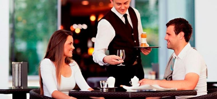 Grand Hotel Sava: Bar de l'hôtel ROGASKA SLATINA