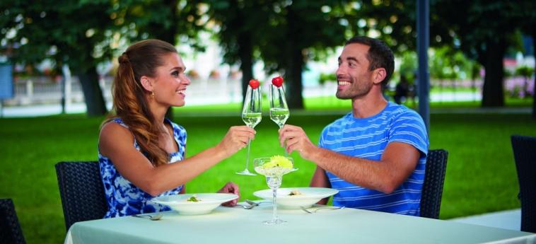 Grand Hotel Sava: Repas en plein air ROGASKA SLATINA