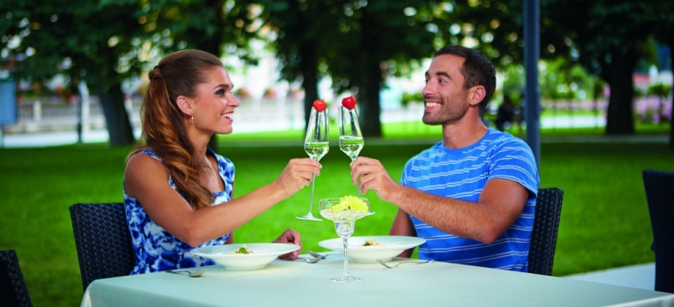 Grand Hotel Sava: Outdoor Dining ROGASKA SLATINA