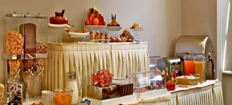 Hotel Villa Torlonia: Restaurant ROM