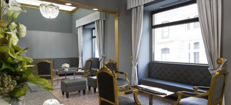 Hotel Welcome Piram: Hotel Innenraum ROM