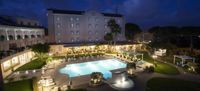 Hotel Golden Tulip Rome Airport Isola Sacra: Garten ROM