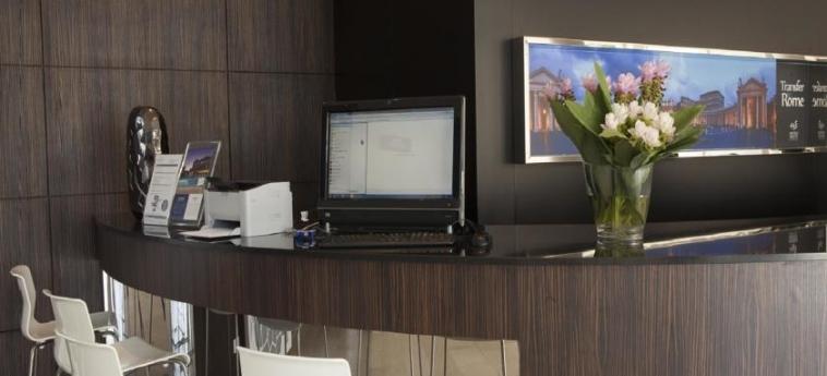 Hotel Golden Tulip Rome Airport Isola Sacra: Internet Point ROM