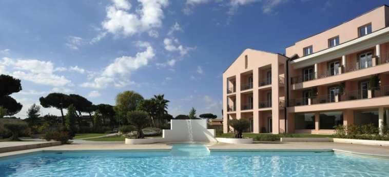 Hotel Golden Tulip Rome Airport Isola Sacra: Swimming Pool ROM