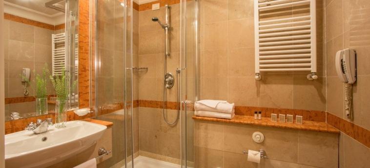 Hotel Cristoforo Colombo: Cuarto de Baño ROMA