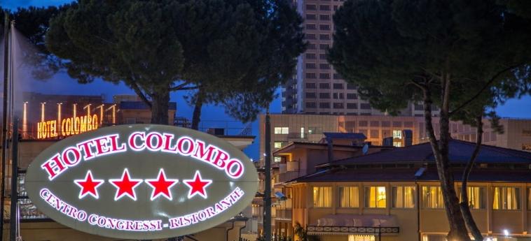 Hotel Cristoforo Colombo: Frente Hotel – Tarde / Noche ROMA