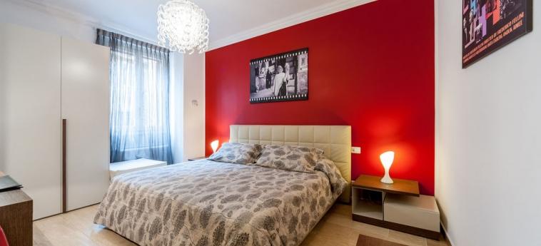 Hotel La Dolce Vita Barberini: Camera degli ospiti ROMA