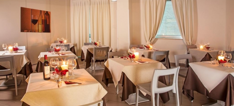 Hotel Artis: Restaurante ROMA