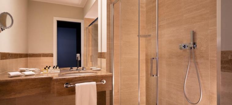 Hotel Sina Bernini Bristol: Bathroom ROME - Lazio