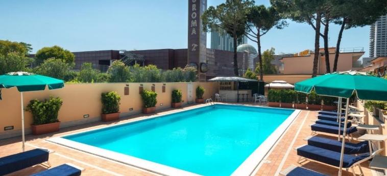 Hotel Cristoforo Colombo: Piscine chauffée ROME