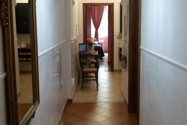 B&b Casa Di Silvia: Hallway ROME