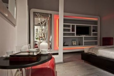 Hotel Luxury On The River: Balcony ROME