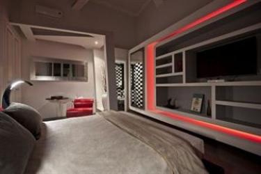Hotel Luxury On The River: Soggiorno E Angolo Cottura ROME