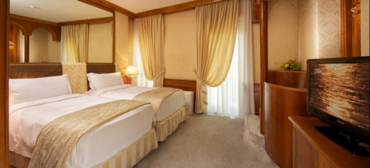 Hotel Barocco: Chambre jumeau ROME