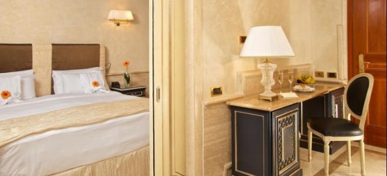 Hotel Barocco: Bedroom ROME