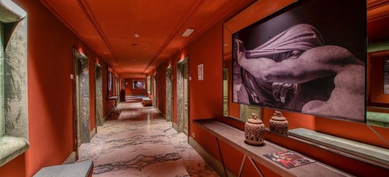 Hotel Sina Bernini Bristol: Corridor ROME