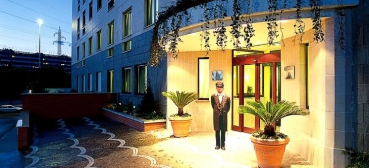 Warmth Hotel Roma: Entrée ROME