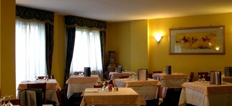 Warmth Hotel Roma: Restaurant ROME