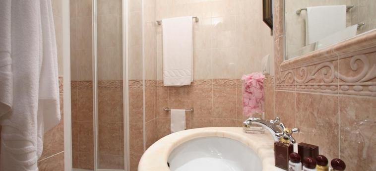 Grand Hotel Hermitage: Bathroom ROME