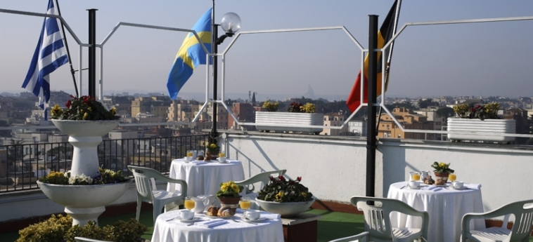 Grand Hotel Hermitage: Outdoor Bar ROME