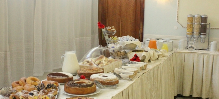 Hotel Romulus: Breakfast ROME
